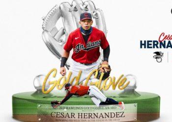 César Hernández y Guante de Oro