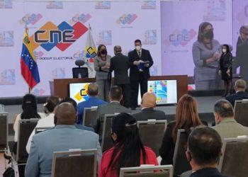 CNE acreditó diputados