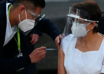 México recibe vacuna