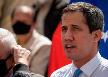 David Smilde explica los detalles de la fractura de la oposición en Venezuela. En la foto Guaidó tiene cara de no entender qué pasa con la división de los partidos.