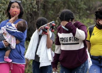 Mujeres venezolanas se prostituyen