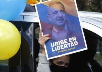 Álvaro Uribe Velez absuelto
